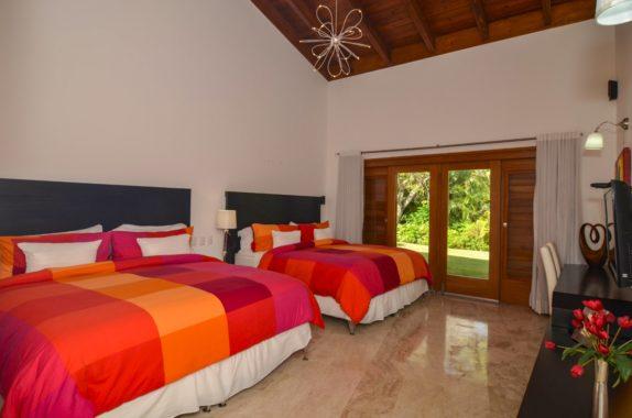 luxury-5BR-Villa-pool (15)