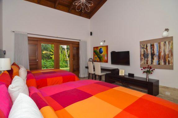 luxury-5BR-Villa-pool (17)