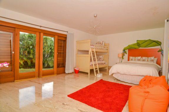 luxury-5BR-Villa-pool (27)