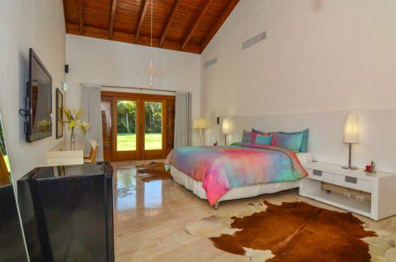 luxury-5BR-Villa-pool (3)