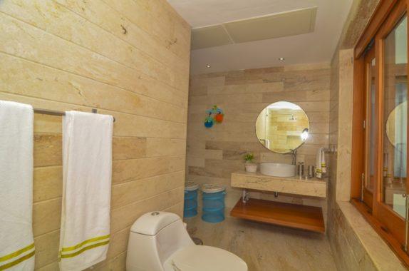 luxury-5BR-Villa-pool (31)