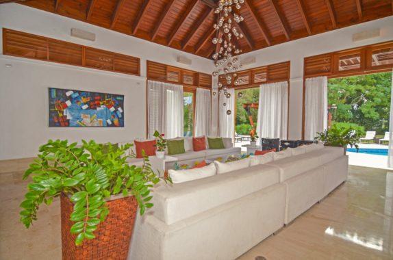 luxury-5BR-Villa-pool (40)