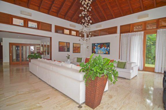 luxury-5BR-Villa-pool (41)