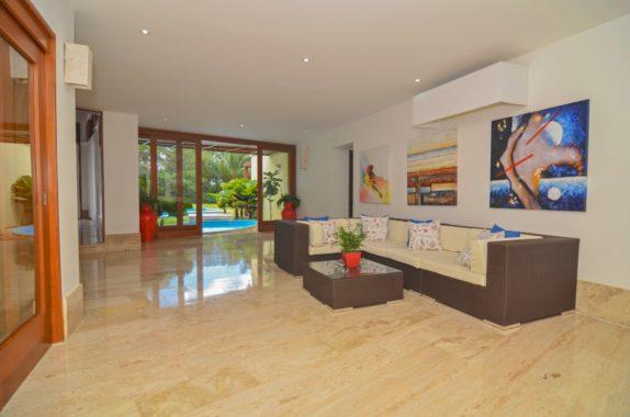 luxury-5BR-Villa-pool (44)