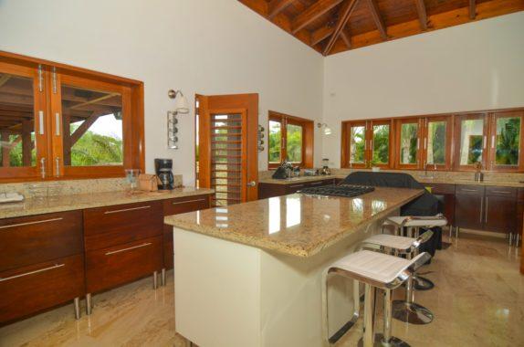 luxury-5BR-Villa-pool (47)