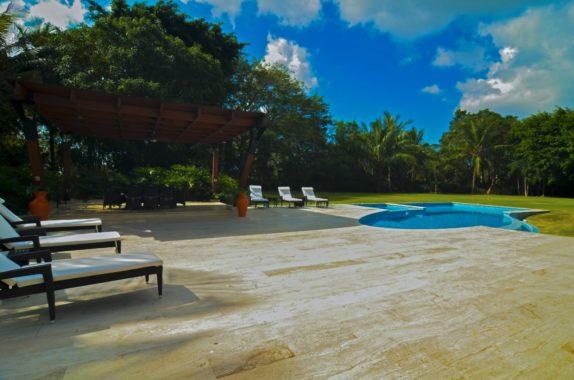 luxury-5BR-Villa-pool (49)