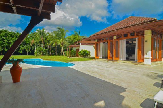 luxury-5BR-Villa-pool (50)