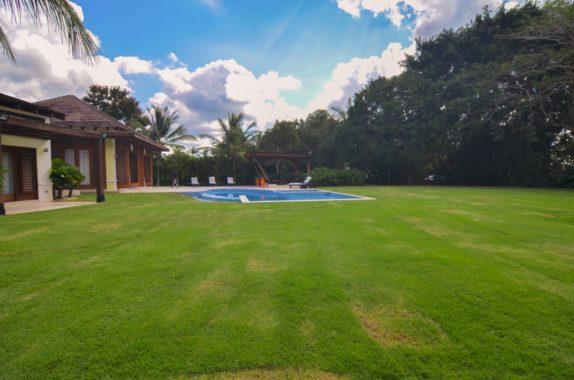 luxury-5BR-Villa-pool (51)